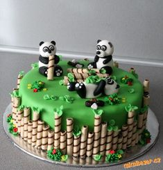 ***Dort - PANDY*** Panda Birthday Cake, 14th Birthday Cakes, Make Birthday Cake, Birthday Cake Decorating, Cake Decorating Tips, Baby Cakes, Cupcake Cakes, Cupcakes, Bolo Panda