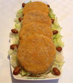 """I """"Burger con zucca e patate americane"""" sono adatti a tutti! Con pochi ingredienti e senza aggiungere uova realizzerete un contorno leggero e molto gustoso."""