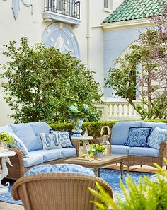 Our Charleston Seating embodies the rich history and beguiling charm of this celebrated coastal destination. | Frontgate: Live Beautifully Outdoors