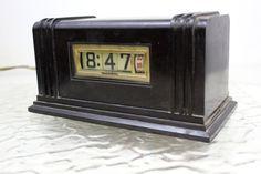 Vintage Numechron Pennwood Flip Dial Clock by MidCenturyMisfits