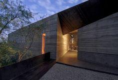 Desert Courtyard House-Wendell Burnette Architects-02-1 Kindesign