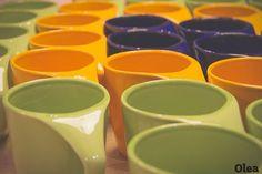 Com design e produção totalmente nacionais, nada mais justo fazê-las nas cores do Brasil!!   Visite nossa loja! #oleastore #canecaolea, #StudioOlea, #ProductDesign, #color #cores http://www.oleastore.com.br/ http://www.studio-olea.com.br/