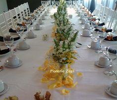 Florería Zazil   Creamos ambientes de acuerdo a su evento y gusto.  www.floreriazazil.com Contacto: ventas@floreriazazil.com  floreriasencancun #floreriaencancun #floreriazazil #cancunflorist