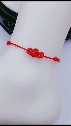 Diy Friendship Bracelets Patterns, Macrame Bracelet Patterns, Diy Bracelets Patterns, Diy Bracelets Easy, Handmade Bracelets, Bracelet Crafts, Diy Crafts Jewelry, Diy Leather Bracelet, Hand Embroidery Tutorial