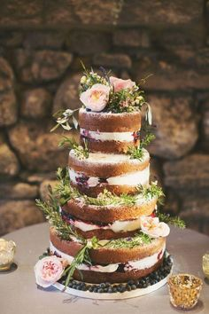 Why not decorate your naked cake with fresh herbs for a rustic wedding? Spring wedding cakes you won't be able to resist Cool Wedding Cakes, Wedding Cake Designs, Spring Wedding Cakes, Spring Cake, Spring Party, Mod Wedding, Rustic Wedding, Lace Wedding, Wedding Hijab