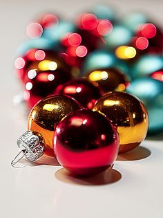 Christmas tree ornaments...red n yellow