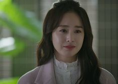 Kim Tae-Hee's fashion as Cha Yu-Ri in 'Hi Bye Mama' also caught the attention of fans thanks to her many totally stealable looks. Kim Tae Hee Fashion, Knitted Coat, Hooded Cardigan, Her Style, Kdrama, Korean Fashion, Fashion Beauty, Actresses, Fashion Outfits