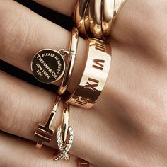 Cute Jewelry, Gold Jewelry, Jewelry Rings, Jewelery, Jewelry Accessories, Fashion Accessories, Fashion Jewelry, Cartier Jewelry, Skull Jewelry