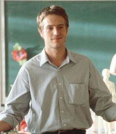Michael Vartan in Never Been Kissed so dreamy. I want him as a teacher! Chick Flick Movies, Chick Flicks, High School Movies, Michael Vartan, Never Been Kissed, Man Crush Monday, Hey Good Lookin, Gorgeous Men, Beautiful People