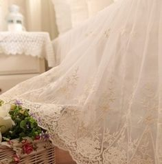 Luxury embroidered snow white skirt,romantic yarn lace ruffle sheet/bed skirt.