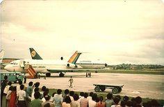 https://flic.kr/p/b5xqJ | Primeiro Jumbo nos Guararapes Abr 1980 Lufthansa_5 | Recife. Abril de 1980.  Festa para os spotters.. Primeiro B 747 Jumbo a pousar no Recife. Lufthansa.