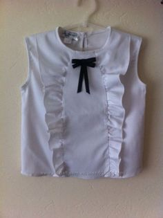School uniform for the girl of – Shirt Types Toddler Outfits, Kids Outfits, Cute Outfits, Little Girl Dresses, Girls Dresses, Frocks And Gowns, Baby Girl Tops, Frill Tops, Mode Hijab