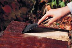 Si vous cherchez un décapant naturel pour votre bois, le bicarbonate de soude est votre ami ! Ce qui est intéressant avec le bicarbonate de ...