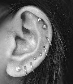 2018, les cinq derniers sont à quoi je pense que je veux que mon oreille ressemble à la fin - #b ... #cinq #Derniers #fin #les #mon #oreille #pense Faux Piercing, Piercing Cartilage, Cute Ear Piercings, Piercing Tattoo, Body Piercing, Double Cartilage, Emerald Earrings, Crystal Earrings, Stud Earrings