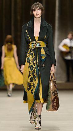 Burberry Prorsum Fall-winter - Ready-to-Wear 2015 Fashion Trends, Fashion Week, Look Fashion, Winter Fashion, Net Fashion, Burberry Prorsum, Burberry 2014, Paloma Faith, Style Oriental
