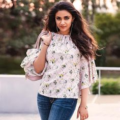 Keerthy Suresh South Indian Actress,Images,Latest,Movies: Keerthy Suresh with Cute and Lovely Smile in Reliance Trends Ad South Indian Actress Photo, Indian Actress Photos, Indian Actresses, Beautiful Bollywood Actress, Most Beautiful Indian Actress, Beautiful Ladies, Sonam Kapoor, Deepika Padukone, Fashion Advice