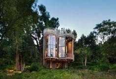#CONSULTING360   La casa in legno a Cape Town Paarman Tree House di Malan Vorster - Elle Decor Italia http://flip.it/ftGPvq