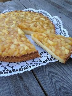 Sour cream cake with apples - Schmandkuchen with apples, a tasty recipe with image from the category Winter. Pastry Recipes, Cake Recipes, Snack Recipes, Easy Smoothie Recipes, Easy Smoothies, Apple Sour Cream Cake, Coconut Recipes, Pumpkin Spice Cupcakes, Morning Food