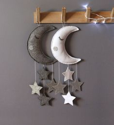 These handmade baby mobiles featuring sleepy moon and sparkly stars in gender neutral colours make a beautiful nursery decor and a new baby gift. A must have for calm and beautiful baby rooms. Handgemachtes Baby, Felt Baby, Childrens Bed Linen, Gender Neutral Colors, Baby Sleepers, Inspiration For Kids, New Baby Gifts, Handmade Baby Gifts, Nursery Neutral