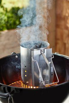 Dziś zamiast pysznego przepisu będzie stricte poradnikowo i bardzo konkretnie. Chcesz wiedzieć jak rozpalić grilla? Po przeczytaniu tego wpisu wszystkie Twoje wątpliwości zostaną rozwiane i staniesz się mistrzem w jego rozpalaniu. Metal Cylinder, Fire Starters, French Press, Outdoor Cooking, Memorial Day, Outdoor Gear, Grilling, Bbq, Barbecue