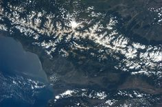 Georgia and the Caucasus Mountains. Karen L. Nyberg (AstroKarenN) no Twitter