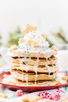 These Sugar Cookie Pancakes will add holiday cheer to your morning routine! Thick, fluffy, and sweet pancakes laced with sugar cookie creamer! Tolle Desserts, Köstliche Desserts, Great Desserts, Delicious Desserts, Dessert Ideas, French Toast Waffles, Pancakes And Waffles, Sugar Cookie Frosting, Sugar Cookies