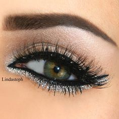 .@Linda Murrieta | Close up nr. 2  @flutterlashesinc @anastasiabeverlyhills