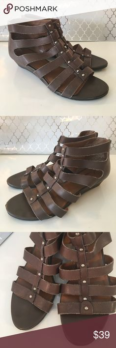 ⭐️LUCKY BRAND GLADIATOR SANDALS 💯AUTHENTIC LUCKY BRAND LOVELY DARK TAUPE GLADIATOR HEELED SANDALS 100% AUTHENTIC. STUNNING AND STYLISH TOTALLY ON TREND WITH REAR ZIPPER! AGAIN THE COLOR IS DARK TAUPE. THE SIZE IS 8 M Lucky Brand Shoes Wedges