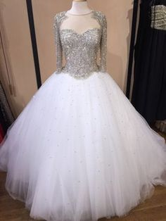 Wedding Dress. Wedding Dress on Tradesy Weddings (formerly Recycled Bride), the world's largest wedding marketplace. Price $17900.00...Could You Get it For Less? Click Now to Find Out!