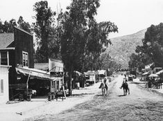 """Stu News Laguna on Instagram: """"Take a look back at Laguna from 1910 – 1918 when horse races were commonly held along Forest Ave. Gene Felder, former president of the…"""" Former President, Laguna Beach, Horse Racing, Looking Back, Take That, Street View, Horses, History, News"""