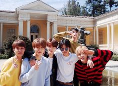 Yesung super junior updAte with nct!💖💖💖 johnil enjoying their trip tgt in the last john looks like holding camera i HOPE ITS A… Nct U Members, Nct Dream Members, Nct Johnny, Johnny Seo, Neo News, Kim Jung Woo, Yesung Super Junior, Nct Dream Jaemin, Nct Life