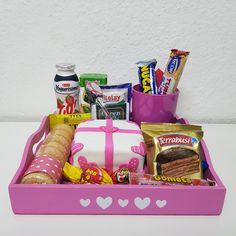 Mini Tortillas, Retro, Boyfriend Gifts, Gift Baskets, Ideas Para, Retro Fashion, Favors, Amor, Birthday Breakfast