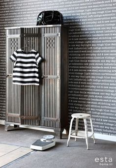 HD non-woven wall covering city ??talc text black