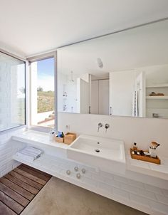 MMMMMS HOUSE - Picture gallery #architecture #interiordesign #bathroom