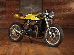 Gold Panther - Moto Motivo Honda CX500 cafe racer via returnofthecaferacers.com