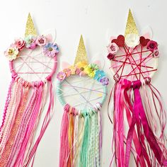 Ten absolutely beautiful unicorn crafts for kids! These unicorn crafts would all make a perfect craft activity for kids at a unicorn birthday party! DIY unicorn crafts for kids! Kids Crafts, Summer Crafts, Cute Crafts, Decor Crafts, Diy And Crafts, Craft Projects, Arts And Crafts, Unicorn Birthday Parties, Unicorn Party