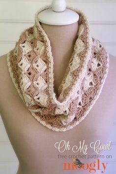 #crochet, Oh My Cowl - free crochet pattern on Mooglyblog.com, #haken, gratis patroon (Engels), col, sjaal, colsjaal, haakpatroon, schelpen, mohair