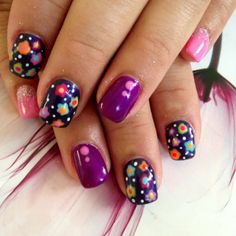 This how-to will give you the instruction in recreating this colorful flower gel nail art. See the list of the products and give this manicure a try.