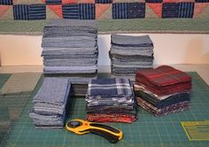 Tips on making a quilt from old jeans. I've been thinking of making a jeans quilt. Tips on making a quilt from old jeans. I need to do something with all my crap work jeans that are falling apart. Recycle old jeans and flannel for an awesome quilt. Quilting Tips, Quilting Tutorials, Quilting Projects, Sewing Projects, Jean Crafts, Denim Crafts, Rag Quilt, Quilt Blocks, Shirt Quilt