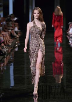 Elie Saab Fall-winter 2010-2011 - Couture - http://www.flip-zone.com/elie-saab-1789