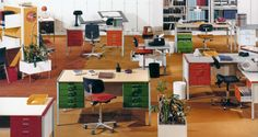 Geschichte 1971 - 1977 Office Spaces, Conference Room, Desk, Table, Furniture, Home Decor, Things To Do, History, Writing Table