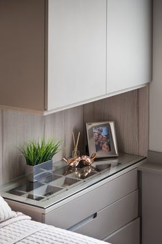 Home Decoration For Wedding Bedroom Closet Design, Home Room Design, Home Bedroom, Home Interior Design, Bedroom Decor, House Design, Apartment Essentials, Bedroom Cupboards, Small Master Bedroom