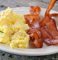 Maxines Burn : Scrambled Eggs & Bacon