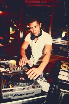 Let us set the mood for your party with rejuvenating beats. Use Hire Melbourne for entertaining your guests with lively music. Victoria Events, Dj Packages, Professional Dj, A Night To Remember, Best Dj, Dj Equipment, Song List, Party Service, The Dj