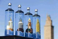 "#muyfan de esta fantástica iniciativa @Yolanda Barbeito Manteiga: @FarosdeEspana . Los faros en una botella Gracias #estrellagalicia pic.twitter.com/7v0j42Lwbc"""
