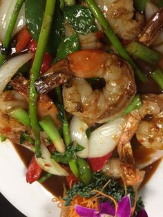 How about shrimp and vegetables for dinner? Order #seafood from us on line and enjoy free 24 hour delivery anywhere in the USA! FloridaSeafood.com  #Shrimp #Delivery
