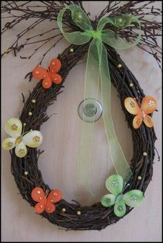 Easter Tree, Easter Wreaths, Easter Eggs, Spring Crafts, Holiday Crafts, Christmas Bulbs, Christmas Decorations, Egg Decorating, Diy Wreath