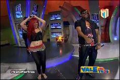 Karen Yapoort Imitando A Shakira Junto Al Cata En Vale Por Tres #Video
