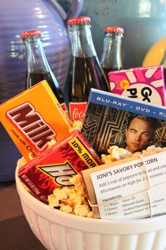 So Easy to Make ..... Movie Night in a Bowl Gift Basket. I think I'm gonna make a couple of these for Christmas! (: