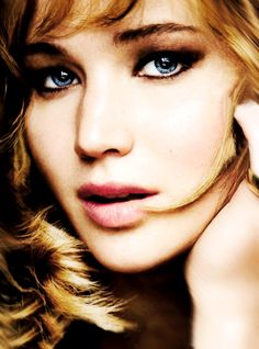 Jennifer Lawrence looks beautiful here, but it also looks so highly retouched so...